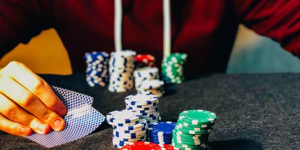Cara Bertahan dari Deep Stacks di Poker